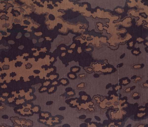 German oak leaf pattern in brown autumn colouration (textile)