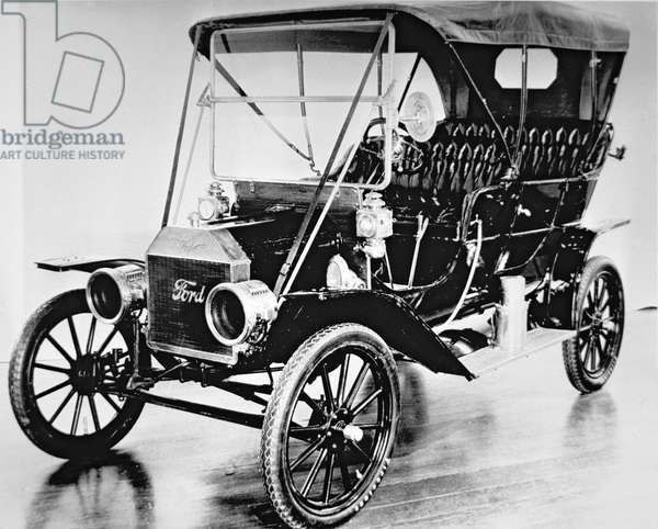 The first Ford Model T of 1908 (b/w photo)