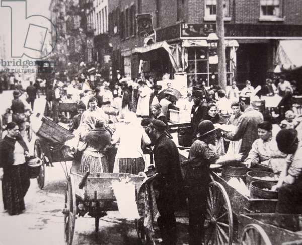 Immigrants on Mulberry Street, Lower East Side, New York City, c.1900 (b/w photo)