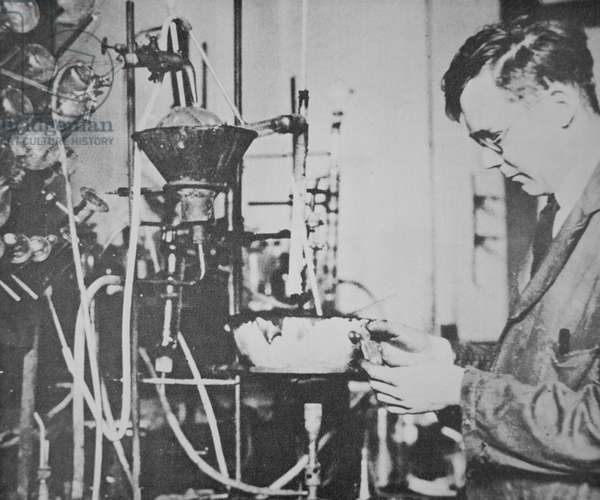 Dr Wallace H. Carothers at work in his DuPont laboratory working on long chain polymers which produced Nylon (b/w photo)