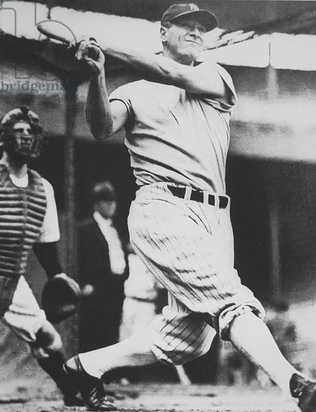 Lou Gehrig, legendary first baseman for the New York Yankees (b/w photo)
