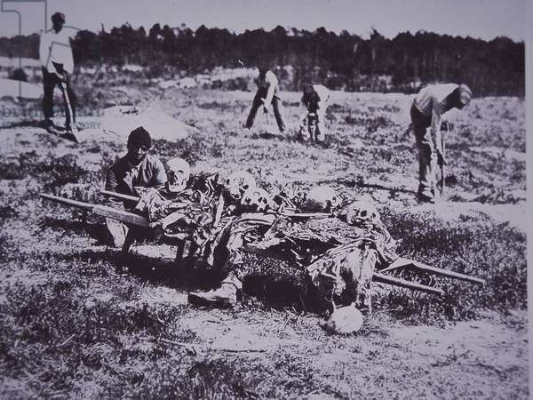 Burial party on battlefield of Cold Harbor, 1864 (b/w photo)