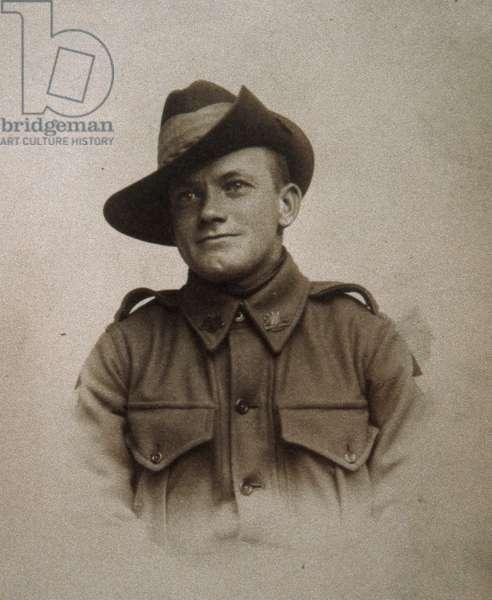 Australian soldier of World War One, 1914-18 (litho)