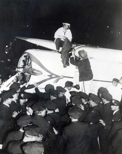 Wiley Post on his triumphant return to the USA, 1933 (b/w photo)