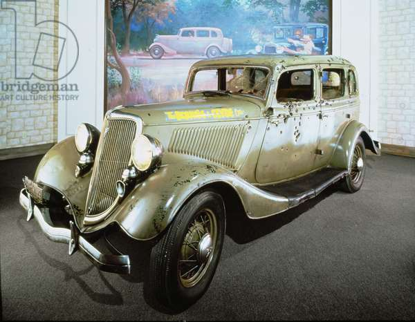 Bonnie and Clyde's bullet-riddled Ford Sedan (photo)