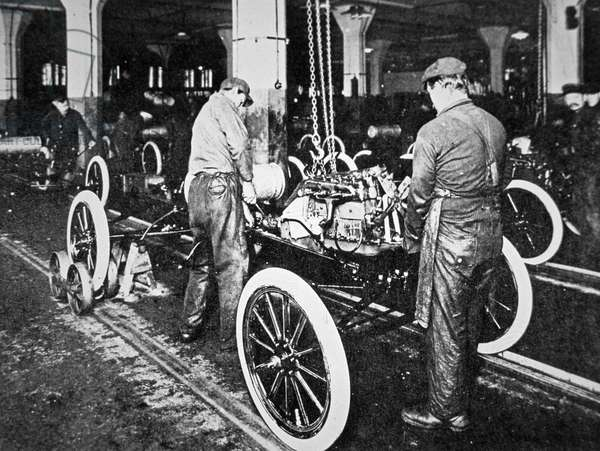 Ford Motor Company assembly line, Detroit, c.1920 (b/w photo)