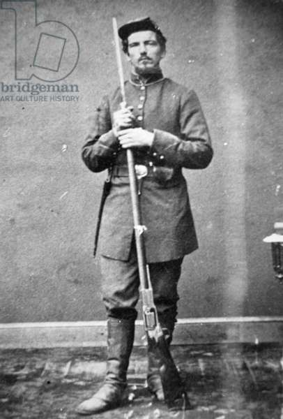 Union soldier of Berdan's sharpshooters (b/w photo)