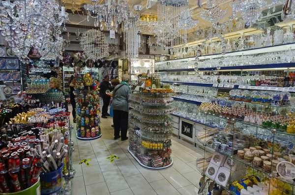 Prague souvenir shop - Bohemian crystal, chandeliers, Stare Mesto (Old Town), Prague, Czech Republic(photo)