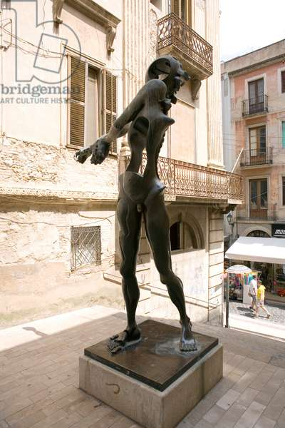 Salvador Dali Statue at Figueras Spain (photo)