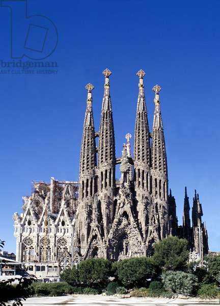 The Nativity Facade of the Sagrada Familia, Barcelona, Spain (photo)