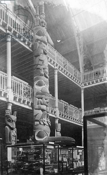 Totem Pole in the main court of the Pitt Rivers Museum (b/w photo)
