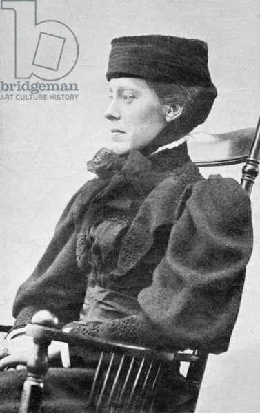 Portrait of Mary Henriette Kingsley, c.1890 (b/w photo)
