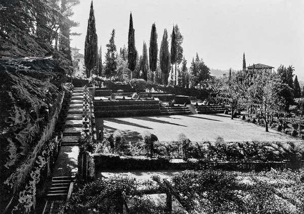 Garden of the Villa Il Buon Riposo in San Domenico a Fiesole, San Domenico, Fiesole, Italy, 1920-1930