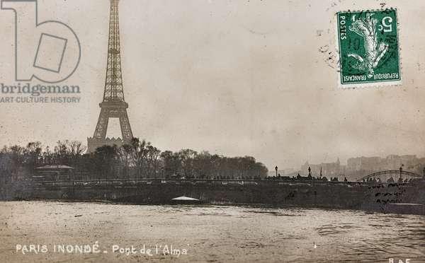 View of Pont de l'Alma with the Eiffel Tower in Paris following the flood of January 24, 1910, Paris, Pont de l'Alma, France, 1910