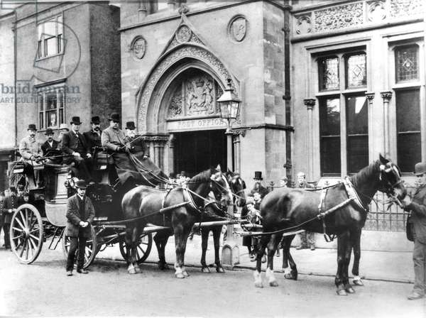 Old London to Oxford mail coach, May 1890 (b/w photo)