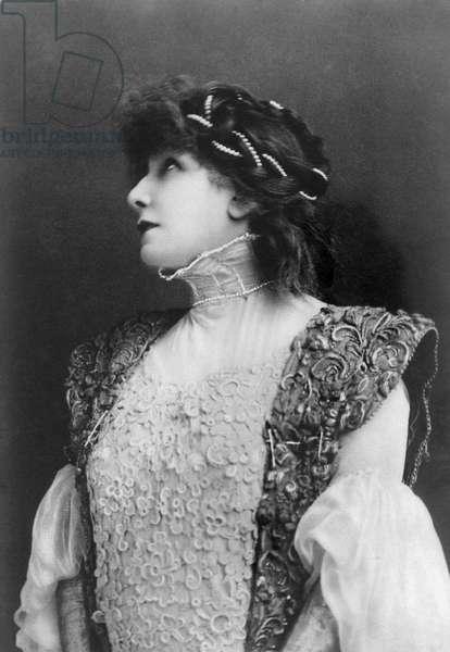 Sarah Bernhardt in role