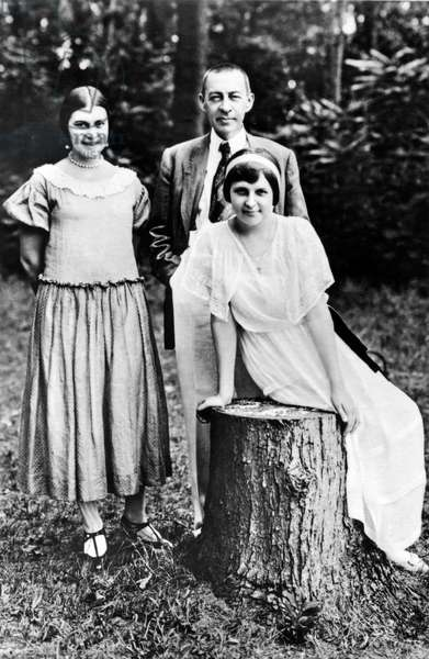 Sergei Rachmaninoff & Daughters in 1924