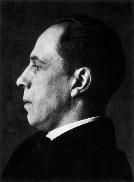 Theo van Doesburg, 1924 (b/w photo)