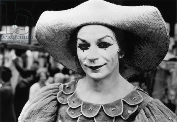 Lindsay Kemp, choreographer, actor and British mime did in 1938