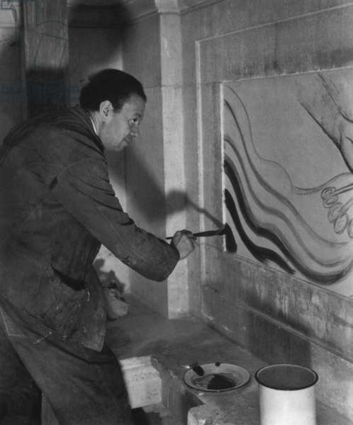 Diego Rivera (1886-1957) mexican painter here painting the south wall of Detroit Institute of Arts 1932