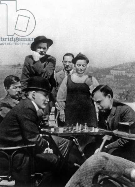 Lenin (Vladimir Illitch Oulianov) in Capri at Maxime Gorki's home playing chess with Bogdanov in 1908