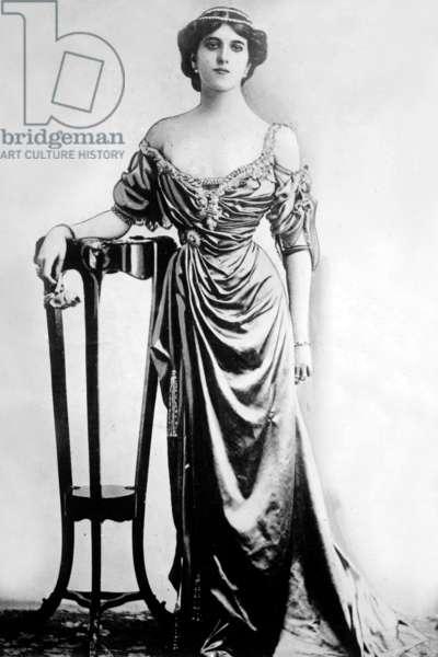 Anita Delgado Briones (1890-1962) spanish dancer, princess of Kapurthala c. 1920