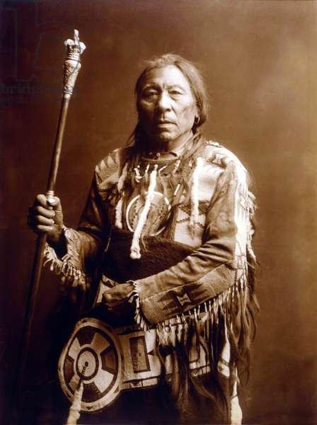 Running Rabbit (Aatsista-Mahkan 1833-1911), Blackfeet Indian, c. 1900, photo Edward S. Curtis