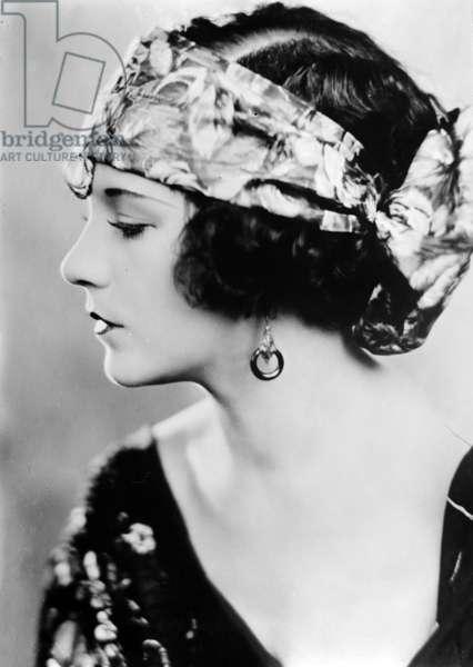 Viola Dana (1897-1987) american actress c. 1924