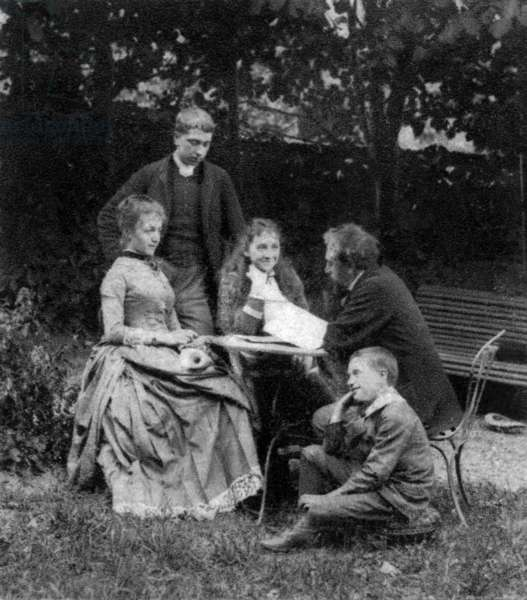 Gustave Eiffel (1832-1923) french engineer, here withhis children in 1882