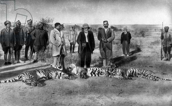 Tiger hunts, India, 1921: Georges Clemenceau (c), Madho Rao Scindia Maharadjah of Gwalior (l) and Ganga Singh Maharadjah of Bikaner (r)