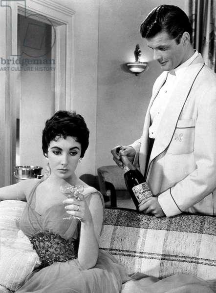 La derniere fois que j'ai vu Paris The Last Time I Saw Paris de RichardBrooks avec Elizabeth Taylor Roger Moore 1954 (champagne Victoire, l'action se situe a la fin de la guerre)