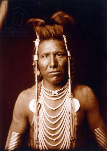 Indian brave: Ben Long Ear c. 1905, photo Edward S. Curtis