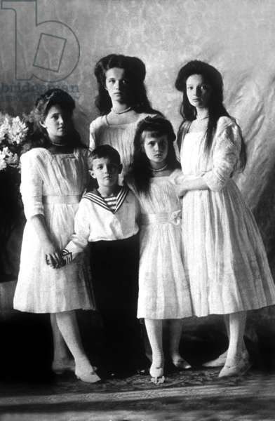Russian imperial family: children of czar of Russia Nicolas II and Alexandra: Grand Duchesses Maria, Olga, Tatiana and front Anastasia, and tsarevitch Alexis, in 1910