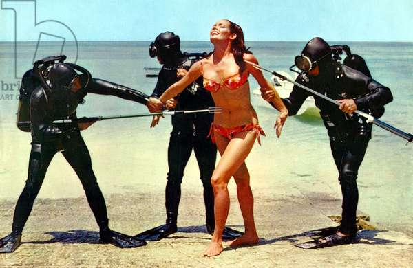 Operation tonnerre THUNDERBALL de TerenceYoung avec Claudine Auger (James Bond girl ) 1965