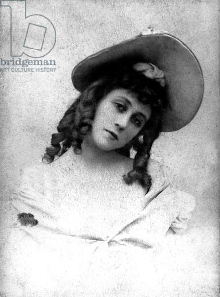 Jane Avril (1868-1943), french music hall dancer at the Moulin Rouge in Paris in the 1890's-1900's