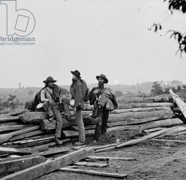 American Civil War (1861-1865): Gettysburg, Pennsylvania: Three Confederate prisoners, july 1863