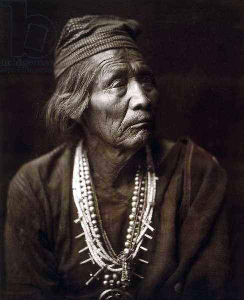 Nesjaja Hatali, indian, Navaho, c. 1904, photo Edward S. Curtis