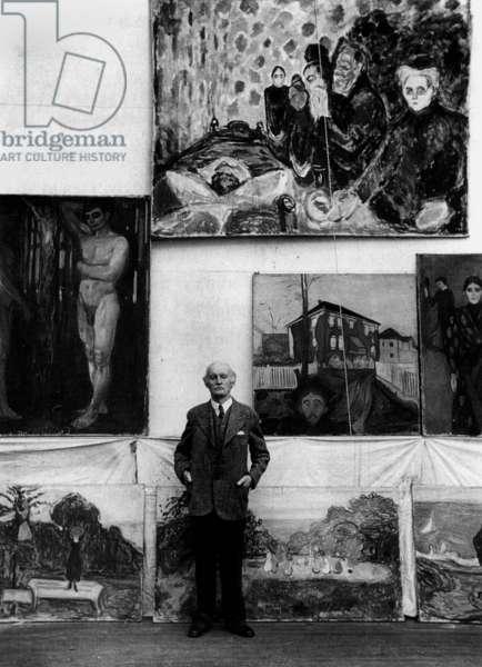 Edvard Munch Norwegian painter in 1938 in the whorkshop of his Winter Studio at Ekely in Norway (b/w photo)