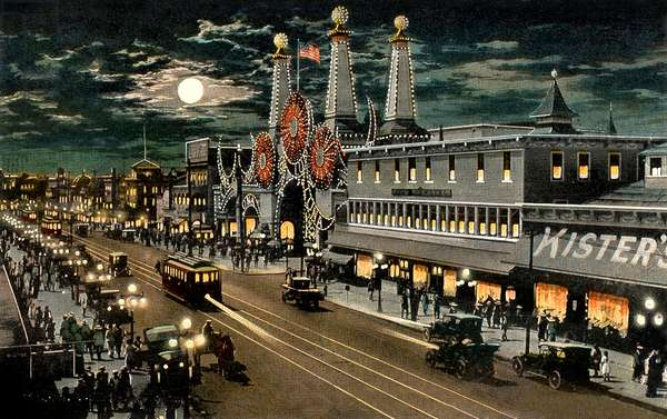 Luna Park and surf avenue by night in Coney Island in New York, Postcard, 20's, Coney Island is a theme park created in the 19th century in Brooklyn (New York),