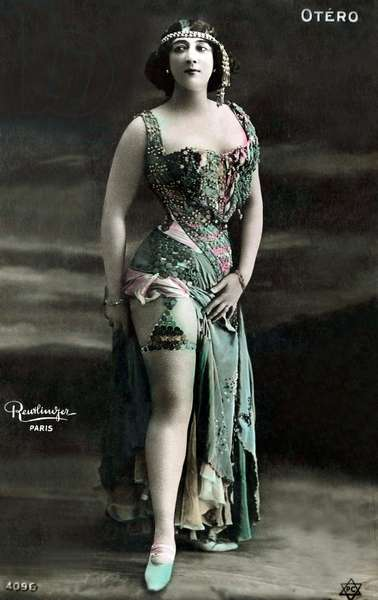 Carolina Otéro aka La Belle Otéro, postcard, 1909 (hand-coloured b/w photo)
