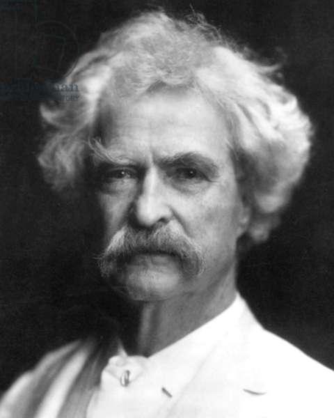 Samuel Langhorne Clemens aka Mark Twain (1835-1910) american journalist and novelist c. 1910