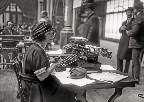 Competition of mechanical calculator at Magic City in Paris, april 24, 1921, Agence Rol photo