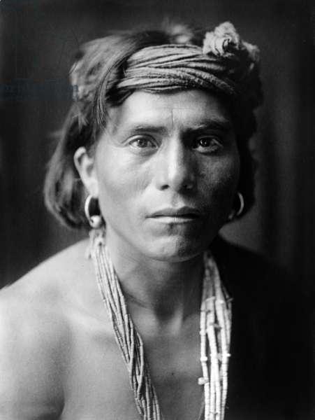 Nova, a Walpi man, Arizona, c. 1906, photo Edward S. Curtis