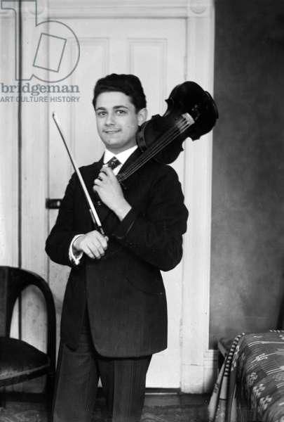 Violonist Raoul Vidas c. 1920