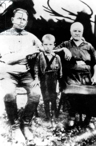 Mikhail Gorbatchev, here as a child in Privolnoe (Ukraine) c. 1935 (4 years old)