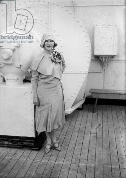 Judith Anderson (1898-1992) australian actress, aboard a liner c. 1925