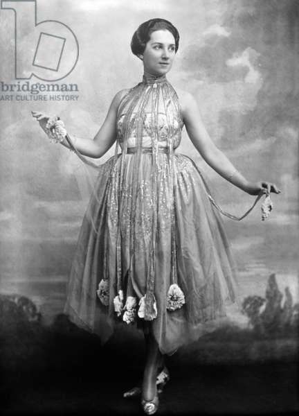 Florence Walton, american dancer, c. 1920