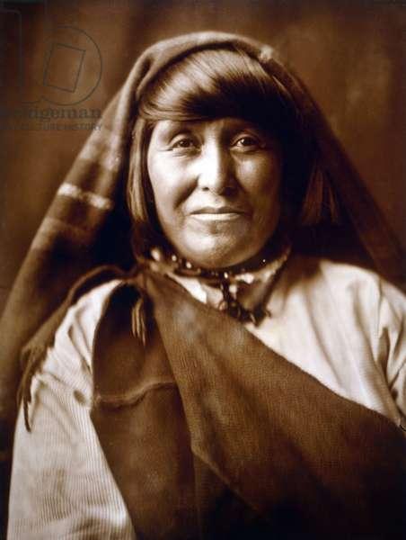 An Acoma woman, c. 1904, photo Edward S. Curtis
