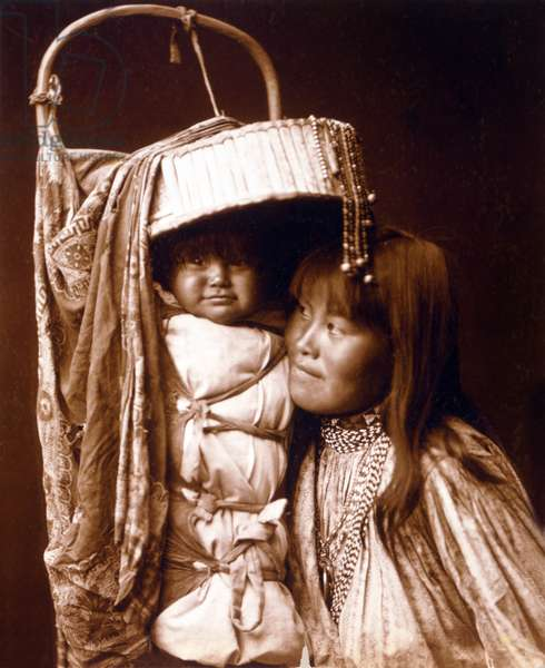 Apache indian mother and papoose . photograph by Edward S. Curtis (1862-1952), c. 1903
