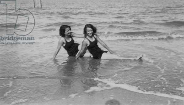 Bathers at the sea, c. 1925